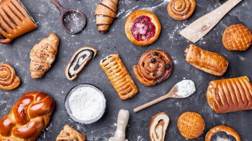 Baked goods- foods to avoid for weight loss