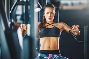 spor salonunda kadın gücü eğitimi
